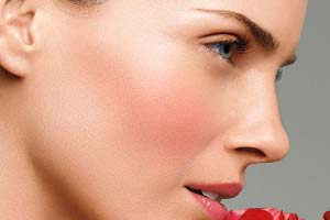 توصیه های موثر برای داشتن پوستی صاف و بدون لک