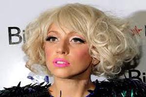 خواننده زن معروف با تغییر ظاهرش همه را متعجب کرد! (عکس)