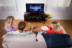 تاثیر عادت والدین در تماشای تلویزیون روی کودکان