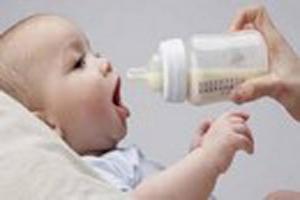 کدام بچه ها نیاز به شیر خشک دارند؟