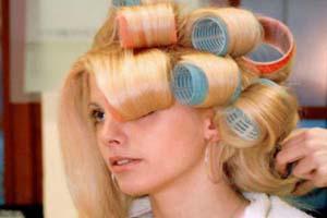 3 روش برای صاف یا فر کردن موها
