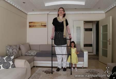 قد بلندترین دختر دنیا با 17 سال سن (عکس)