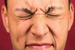 تیک عصبی را چگونه درمان کنیم؟