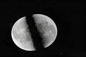 معنا و مفهوم ضرب المثل شق القمرکرد