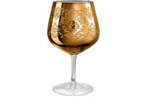 چرا نوشیدن آب در ظروف طلا حرام است؟