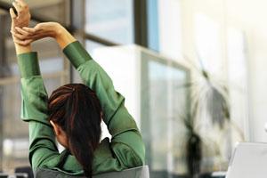 5 تمرین مناسب برای پشت میز نشین ها
