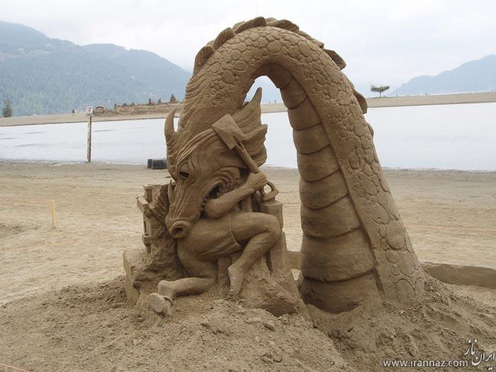 قلعه ها و مجسمه های شنی زیبا در ساحل دریا