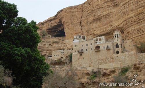 قصری بسیار زیبا که در بیابان نهفته است! (عکس)