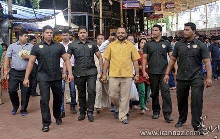 مرد هندی با لباسی از طلا در سالروز تولدش! (عکس)