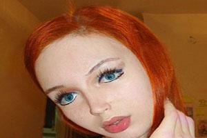 چهره جذاب و عروسکی دختر واقعی! (عکس)