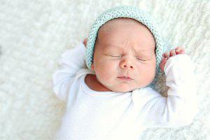 آموزش و نحوه نگهداری نوزاد در هفته اول