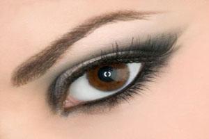 تکنیک هایی برای زیبا جلوه دادن چشم ها در صورت