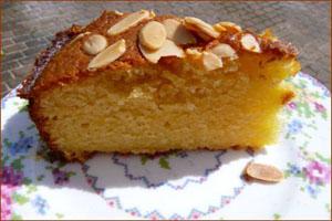 کیک گلابی با بادام و طرز تهیه آن