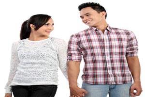 در زندگی زوجین باید زن و شوهر باشند یا دوست؟
