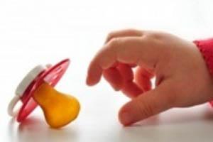 فایده استفاده از پستانک برای کودکان