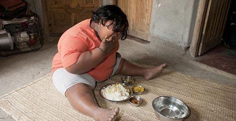 دختری که در هفته 14 کیلو برنج می خورد! (عکس)