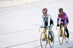 پیست دوچرخه سواری در نقطه ای جذاب (عکس)