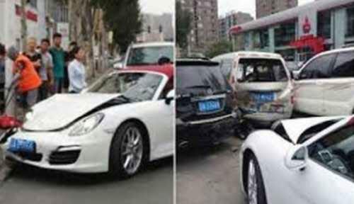 تصادف زن چینی با پورشه تازه خریداری شده اش! (عکس)