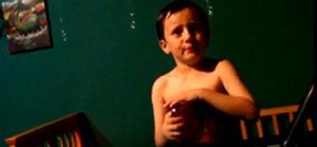 پسر 6 ساله ای که علاقه شدیدی به ازدواج دارد (عکس)