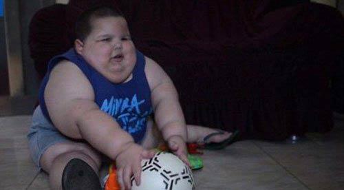 اضافه وزن عجیب این کودک در هر ما! (عکس)