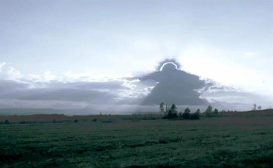 انتشار تصویر اعجاب انگیزی در آسمان اسلواکی! (عکس)