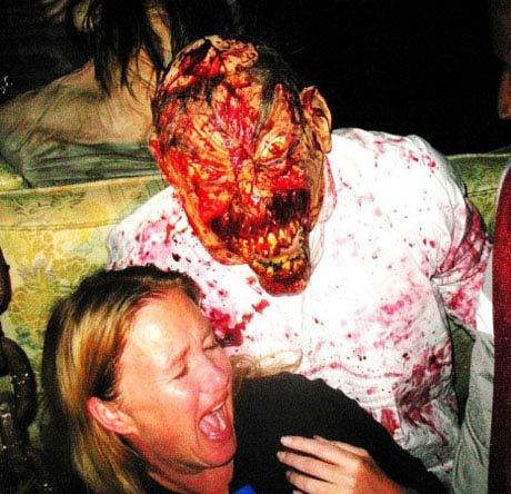 ترس واقعی را در ترسناک ترین خانه دنیا تجربه کنید (عکس)