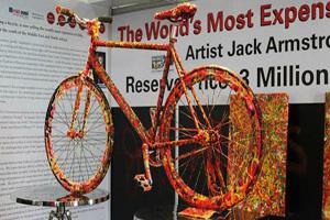 به نمایش گذاشتن دوچرخه ای به قیمت 3 میلیون دلار (عکس)