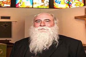 قدرت مرد روحانی 51 ساله در گینس ثبت شد! (عکس)