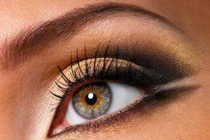 آموزش تصویری برای کشیدن خط چشم نامرئی