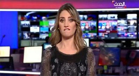 شکلک در آوردن مجری در برنامه زنده (عکس)