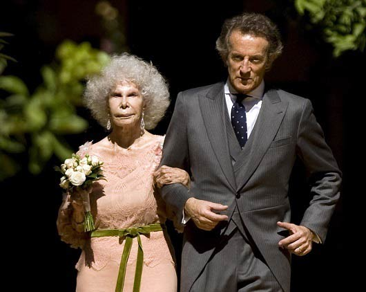 ثروتمندترین پیرزن جهان درگذشت! (عکس)
