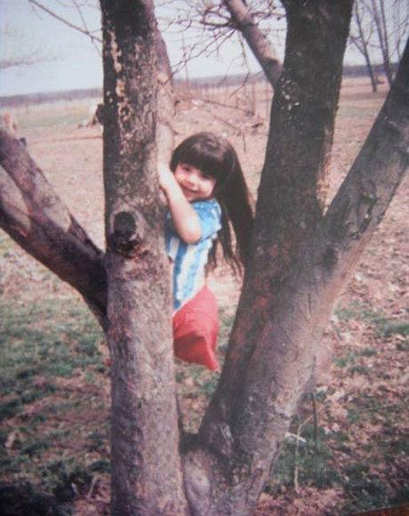 دختر جوان ژیمناستیک کار بدون پا (عکس)