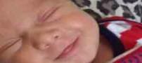 خوشحال ترین نوزادی که دربریتانیا متولد شد! (عکس)
