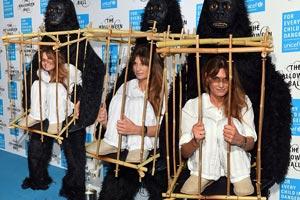 اقدام خانم هنرمند برای حمایت از حیوانات (عکس)