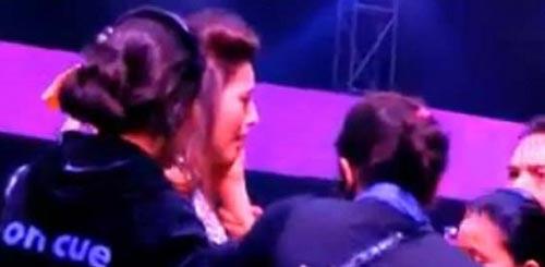 کتک خوردن بازیگر زن به خاطر پوشش نامناسب (عکس)