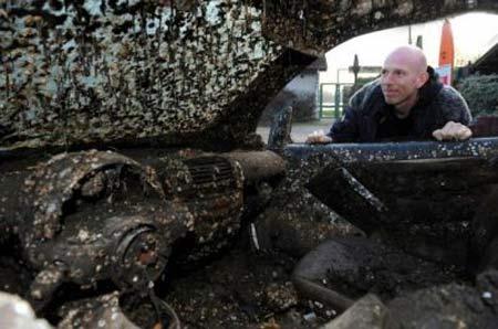 یافت خودردویی از اعماق دریا پس از 7 سال (عکس)