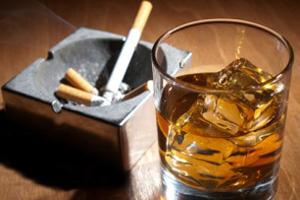 اعتیاد به الکل بدتر است یا سیگار؟