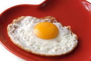 خوردن چند تخم مرغ در روز مجاز است؟