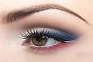 نحوه انتخاب لوازم آرایش برای چشم های حساس