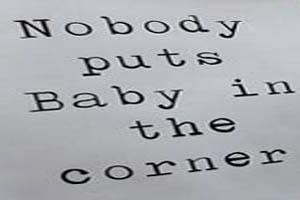 شیردادن به نوزاد در ملأعام برای اعتراض (عکس)