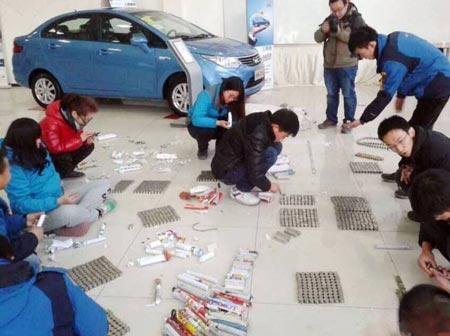 شیوه غیرمعمول مرد چینی برای خرید خودرو (عکس)