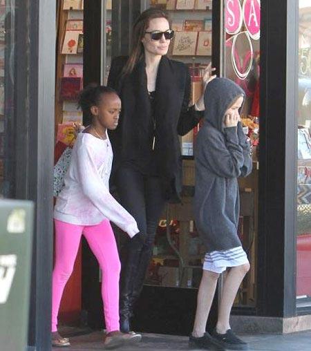 عکس های جدید آنجلینا جولی به همراه دخترانش