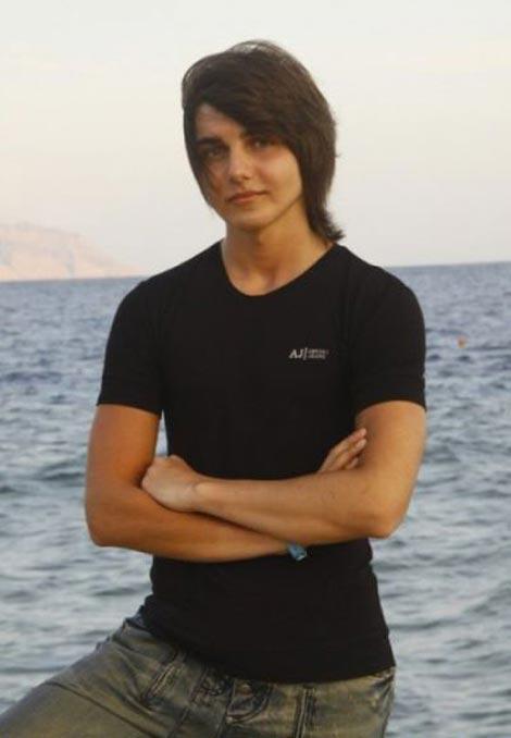 تغییر چهره پسر زیبای 14 ساله به خون آشام (عکس)