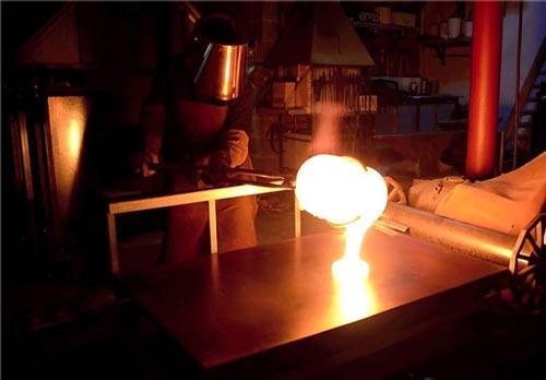 این ماده شیشه ای از فولاد هم مقاوم تر است (عکس)