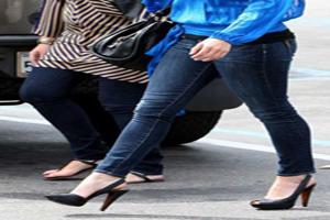 راهنمای لباس پوشیدن برای باریک تر کردن پاها