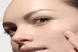 روش های خانگی برای آبرسانی به پوست