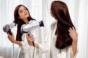 مضرات سشوار برای مو و مغز را بدانید