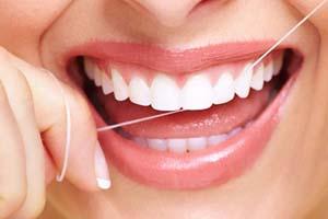 نخ دندان استفاده کنیم یا مسواک بین دندانی؟
