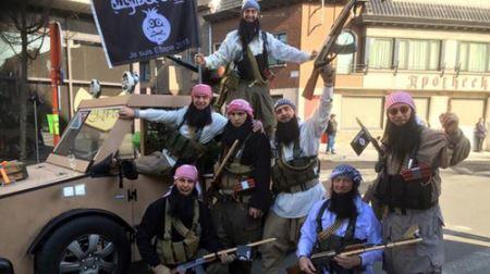 کارناوال مسخره کردن و خنده دار داعش در بلژیک (تصاویر )