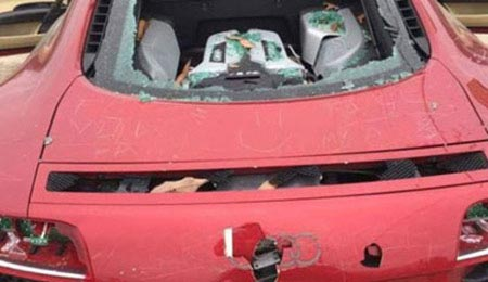از بین بردن اتومبیل لوکس به خاطر خیانت همسر (عکس)